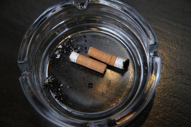 interdiction de fumer sur des terrasses closes