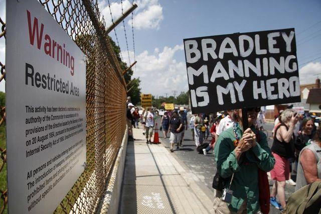 ouverture du procès de bradley manning, informateur de wikileaks