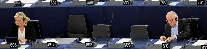 Marine et Jean-Marie Le Pen au Parlement européen, le 19 mai 2015
