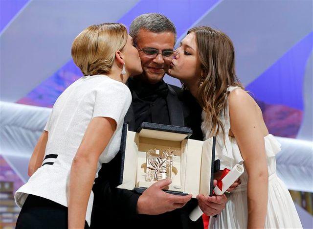 """abdellatif kechiche reçoit la palme d'or pour """"la vie d'adèle"""""""