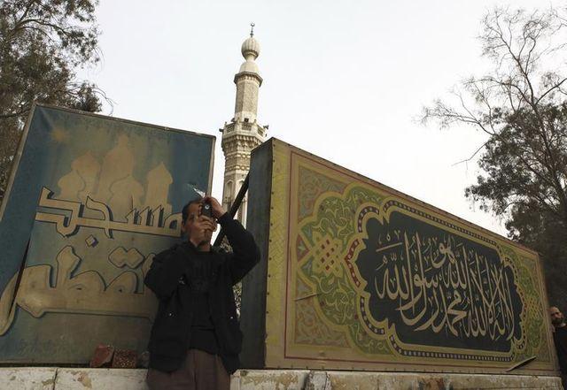 """la confrérie des frères musulmans déclarée """"organisation terroriste"""" en égypte"""