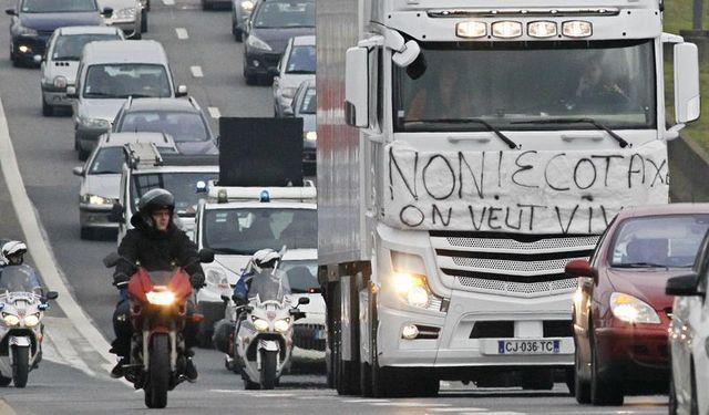 les transporteurs routiers mobilisés contre l'écotaxe