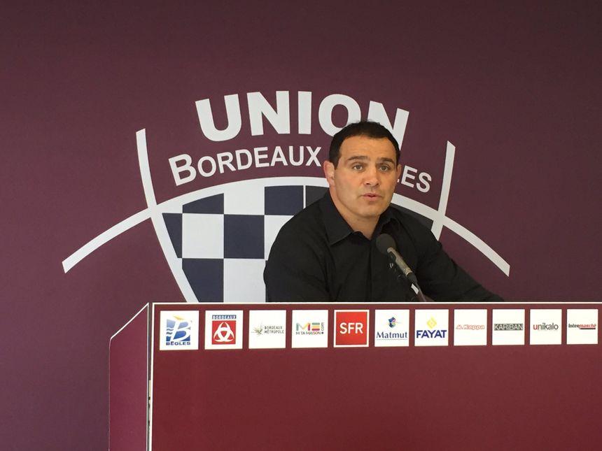 Raphaël Ibanez face à la presse.