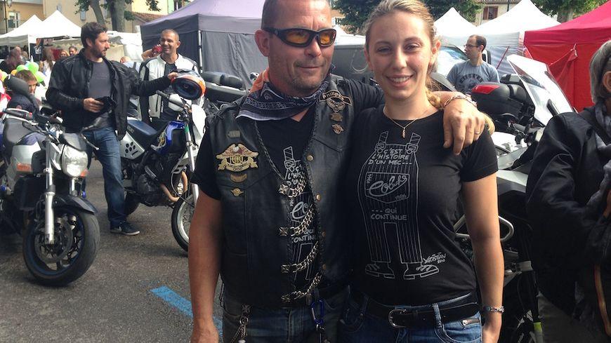 """Des centaines de motards portent le t-shirt """"c'est l'histoire d'un mec"""""""
