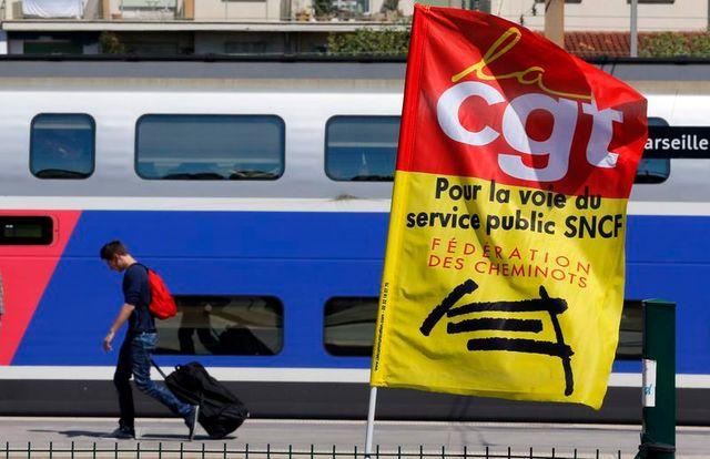 dixième jour de grève à la sncf, qui s'effrite