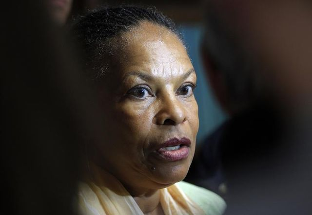 taubira veut réparer l'esclavage par une politique foncière