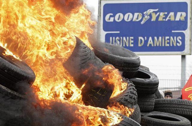 le site goodyear d'amiens-nord bloqué par des salariés