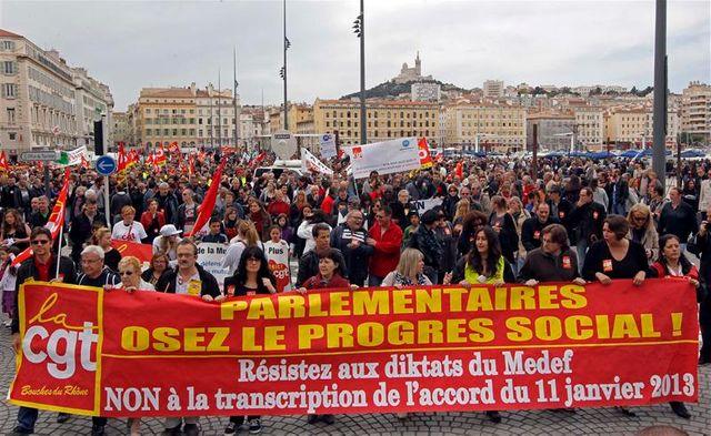 les syndicats défilent en ordre dispersé