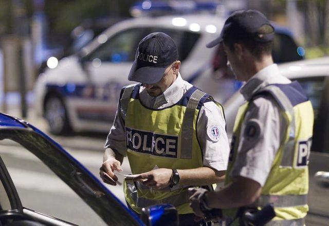 retour du matricule visible des policiers à l'automne