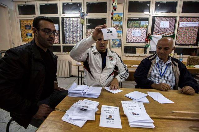 l'entourage de bouteflika revendique sa victoire en algérie