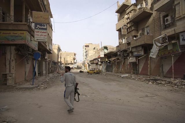 catherine ashton recommande la prudence sur d'éventuelles livraisons d'armes en syrie