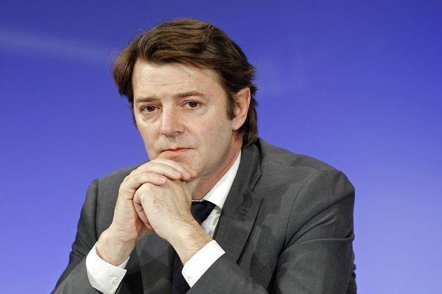 françois baroin presse nicolas sarkozy de dévoiler ses intentions politiques en 2015