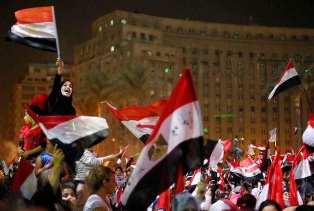 la place tahrir en liesse après la destitution de mohamed morsi par l'armée