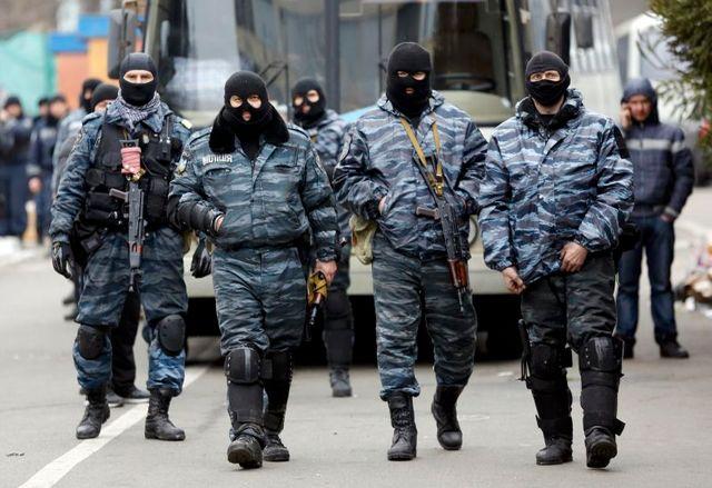 l'ukraine démantèle sa police antiémeute