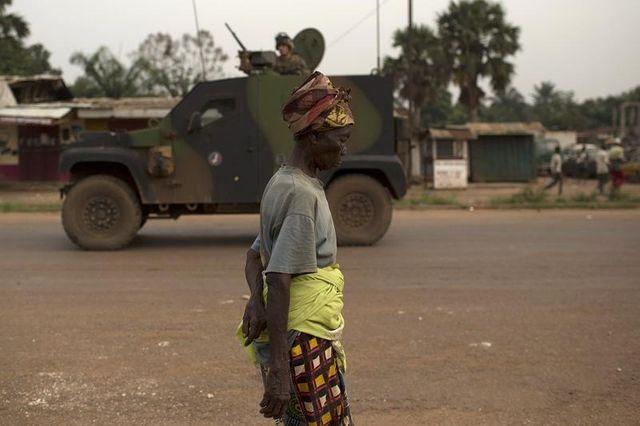 paris va déployer davantage de troupes en centrafrique