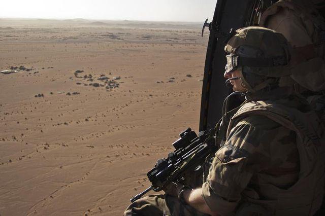 paris propose de conserver une force d'appui de 1.000 hommes au mali