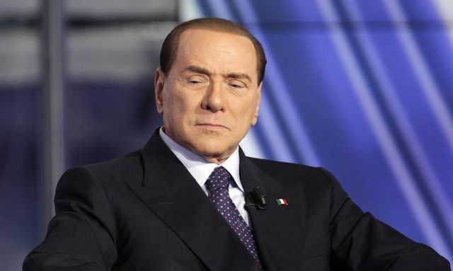 peine d'un an de prison prononcée contre silvio berlusconi pour violation du secret de l'instruction