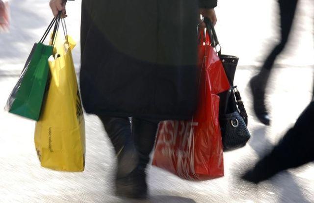 les sacs plastiques non réutilisables interdits à partir de 2016
