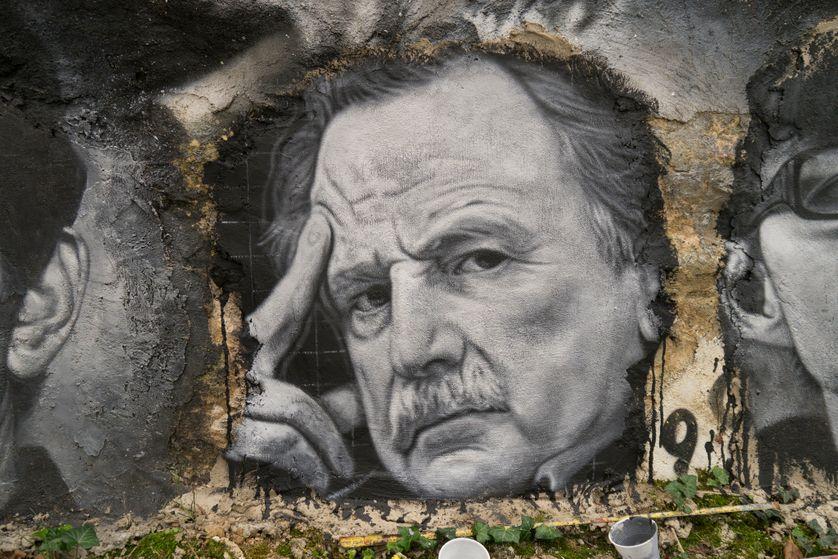 Portrait peint de Régis Debray