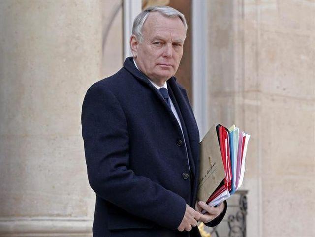 jean-marc ayrault demande la dissolution d'un groupe d'extrême droite