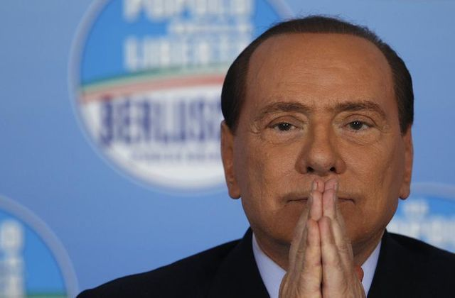 silvio berlusconi replonge l'italie dans la crise politique