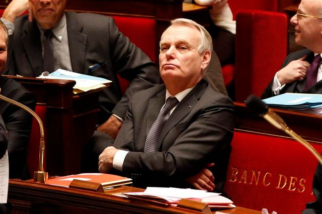 jean-marc ayrault se montre imperturbable face aux rumeurs de remaniement