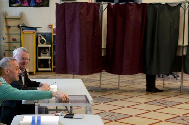 la participation aux municipales s'établit à 23,16% à la mi-journée