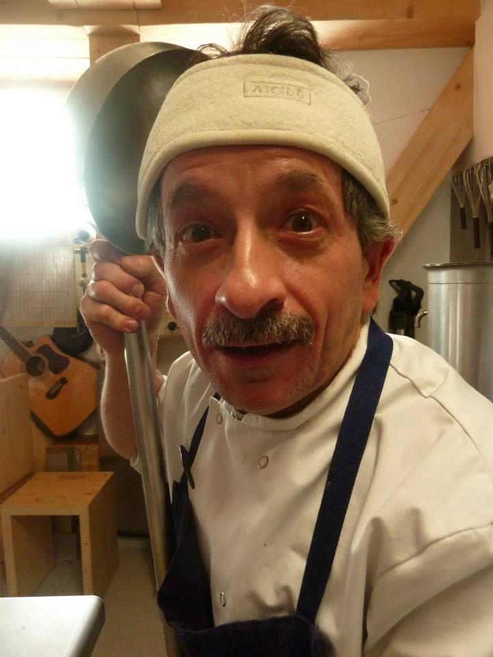 Florent Guillarme le cuisinier en action ! chaud devant !!! avec la louche !