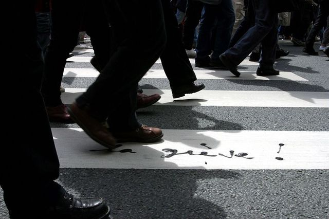 les syndicats misent sur la rue pour faire fléchir valls