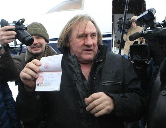 gérard depardieu dit rester français