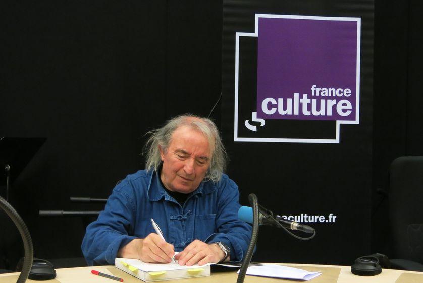 France Culture, studio 108... le poète Serge Pey dédicace...