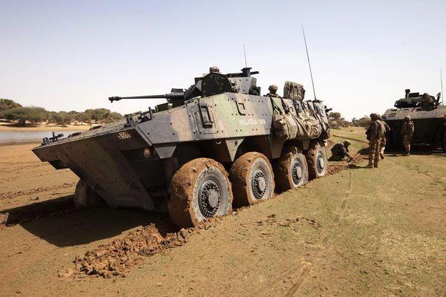 jean-yves le drian évoque des incidents au mali, deux soldats blessés