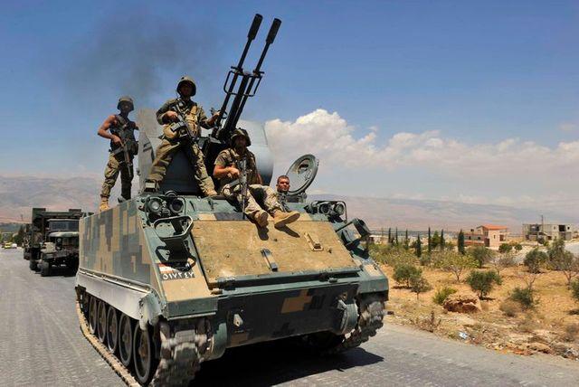 affrontements entre armée libanaise et activistes islamistes à ersal