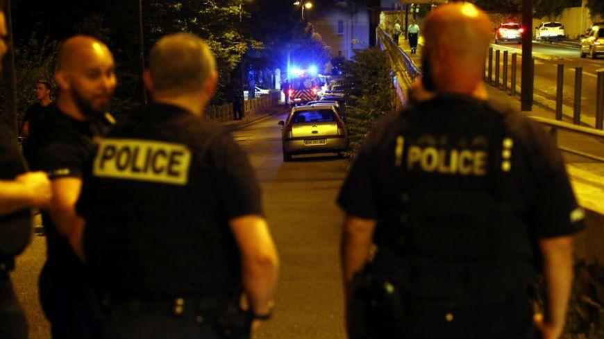 Sur les lieux de la fusillade, samedi 25 juin, près de la cité Consolat à Marseille