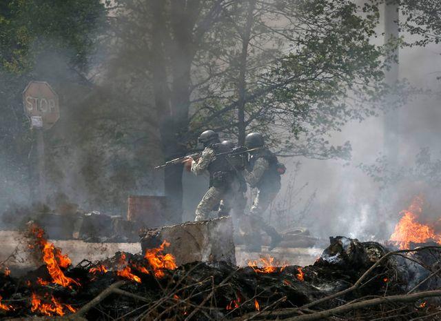 offensive de l'armée ukrainienne dans l'est, près de slaviansk