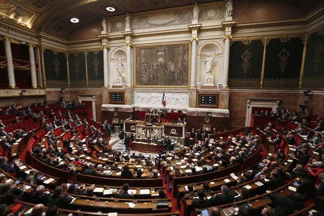 """pour françois fillon, une dissolution de l'assemblée est """"plausible"""" mais pas souhaitable"""