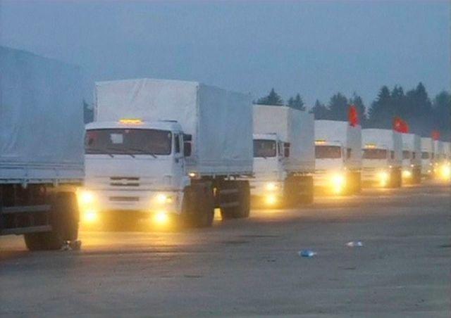 la russie envoie un convoi d'aide humanitaire vers l'ukraine