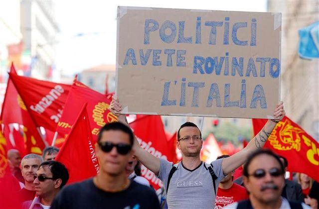 manifestation contre l'austérité dans les rues de rome