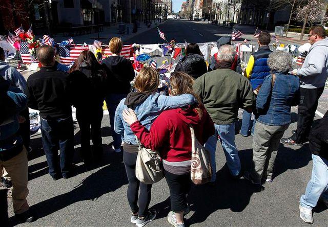 la police cherche les mobiles du double attentat de boston