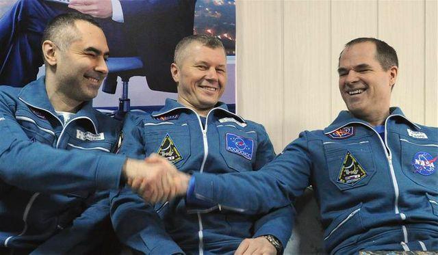 trois cosmonautes de l'iss de retour sur terre