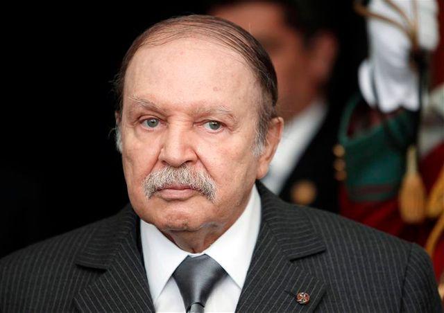 le président algérien abdelaziz bouteflika, victime d'un avc, hospitalisé à paris