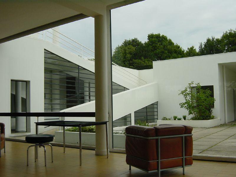La Villa Savoye à Poissy, intérieur / extérieur.
