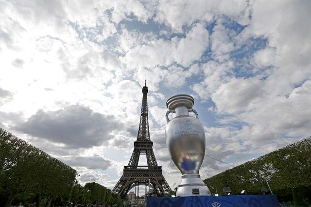 les bleus ouvriront l'euro 2016 au stade de france