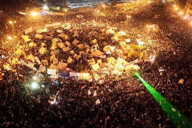 la mobilisation se poursuit place tahrir pour les opposants au président égyptien