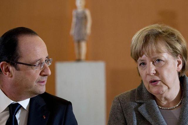 hollande et merkel vont tenter d'afficher l'unité du couple franco-allemand