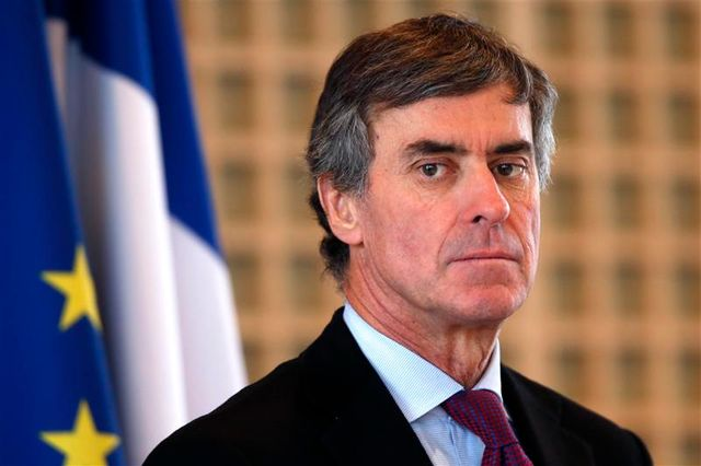 la suisse a transmis aux services fiscaux français des informations dans l'affaire cahuzac