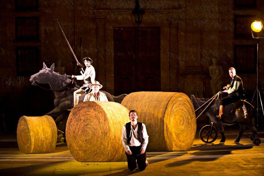 Le spectacle Don Quichotte aux Fêtes Nocturnes de Grignan