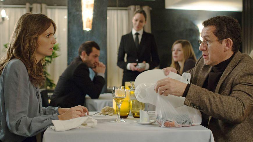 Laurence Arné et Dany Boon dans Radin!