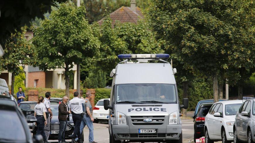 La police a placé en garde à vue un suspect mardi dans le cadre de l'enquête sur l'attentat de Saint-Etienne-du-Rouvray