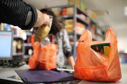 Les sacs plastiques sont interdits depuis le 1er juillet